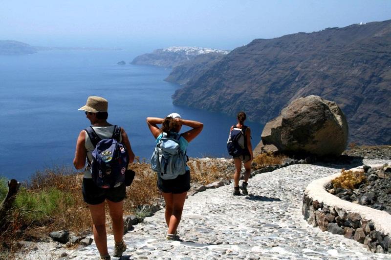 hiking-aa
