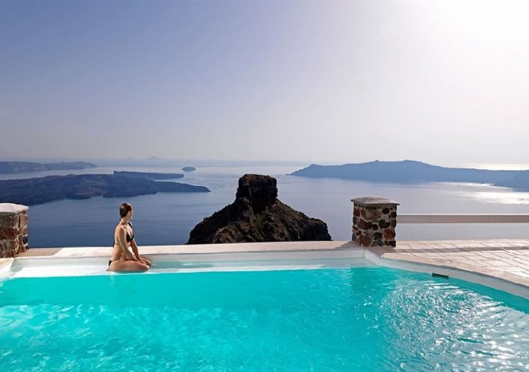 Top 10 Things That Will Make You Love Santorini