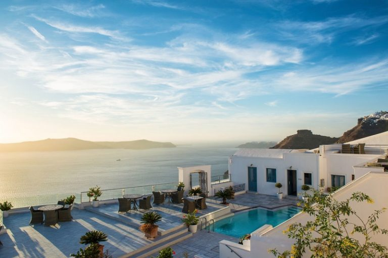 10 Most Stunning Villas You Can Rent in Santorini